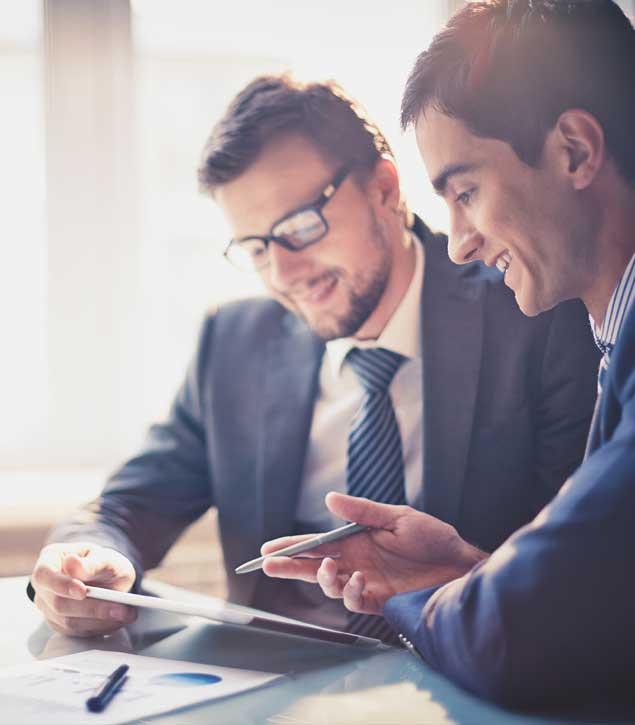 Nyelvtanár a coaching szemléletet alkalmazva felkészíti a vállalat vezető beosztású munkatársát.