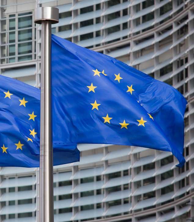 Európai Uniós zászlók.